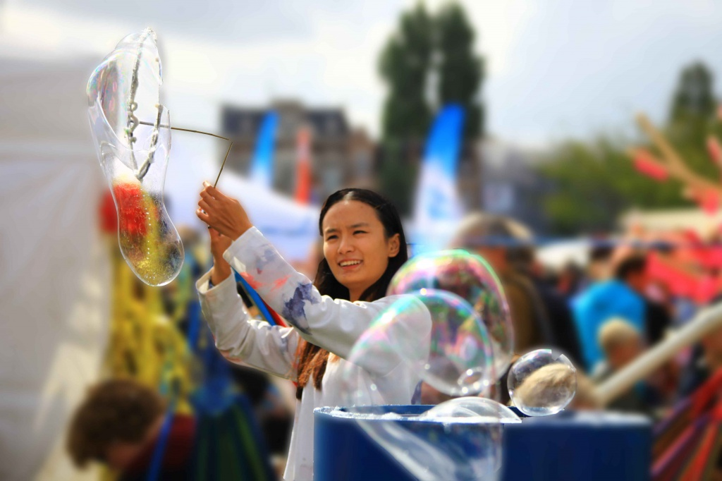 Creating bubbles at Uitmarkt