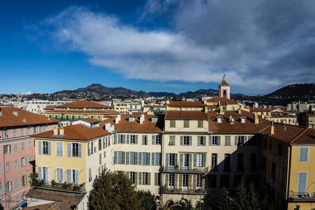 A blue sky in Nice